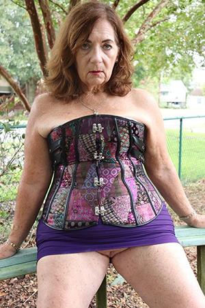 older women upskirt sex gallery