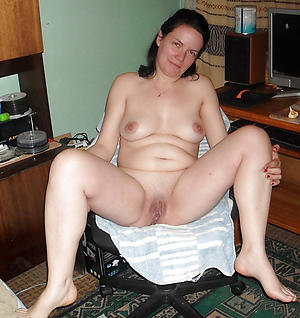 free pics of older women solo