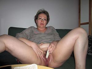 naughty older women masturbating porn pic