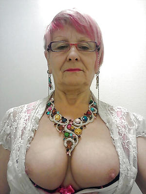 hot granny posing nude