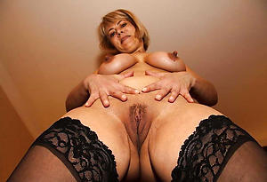 naked older naked housewives pics