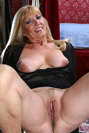 granny hot pussy stripped pic