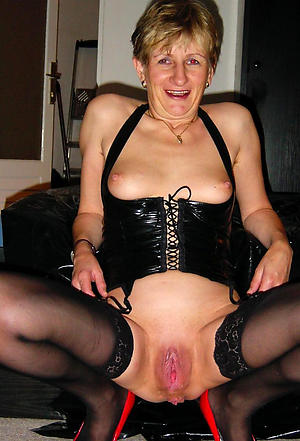 naked old lady cunts free pics