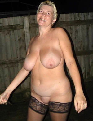 busty blonde granny love posing nude