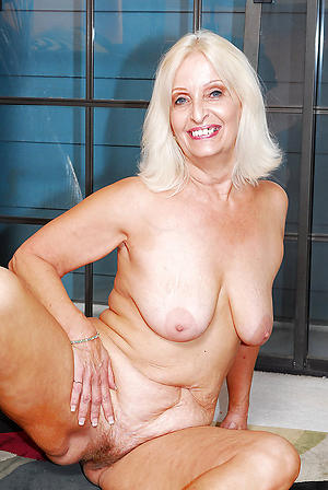 nude pics of busty grannys