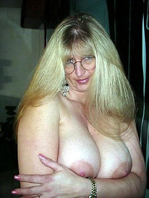 amateur busty granny galleries