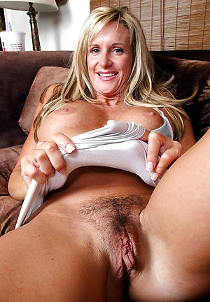 old naked moms free pics