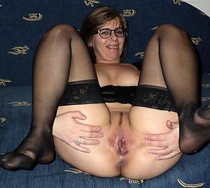 xxx hot elder statesman women porn dusting