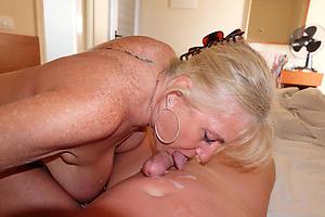 xxx older women giving blowjobs pic