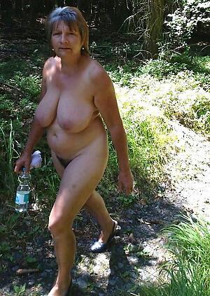 Outdoor oma nackt FKK: nudism,